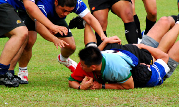 Biologisch: football, voetbal, boerengolf of rugby?